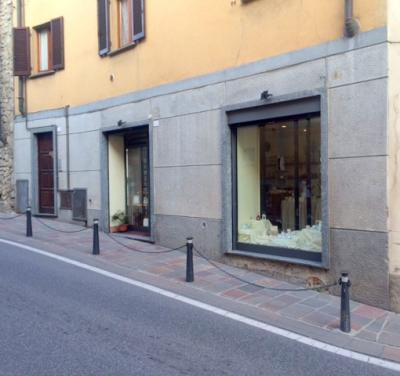 Negozio in Vendita a Capriate San Gervasio