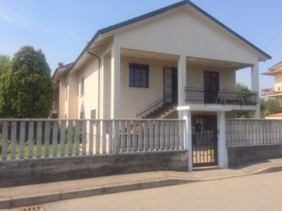 Villa Bifamilare in Vendita a Masate