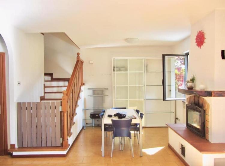 Villa a Schiera in vendita a Castelveccana, 4 locali, prezzo € 260.000 | PortaleAgenzieImmobiliari.it