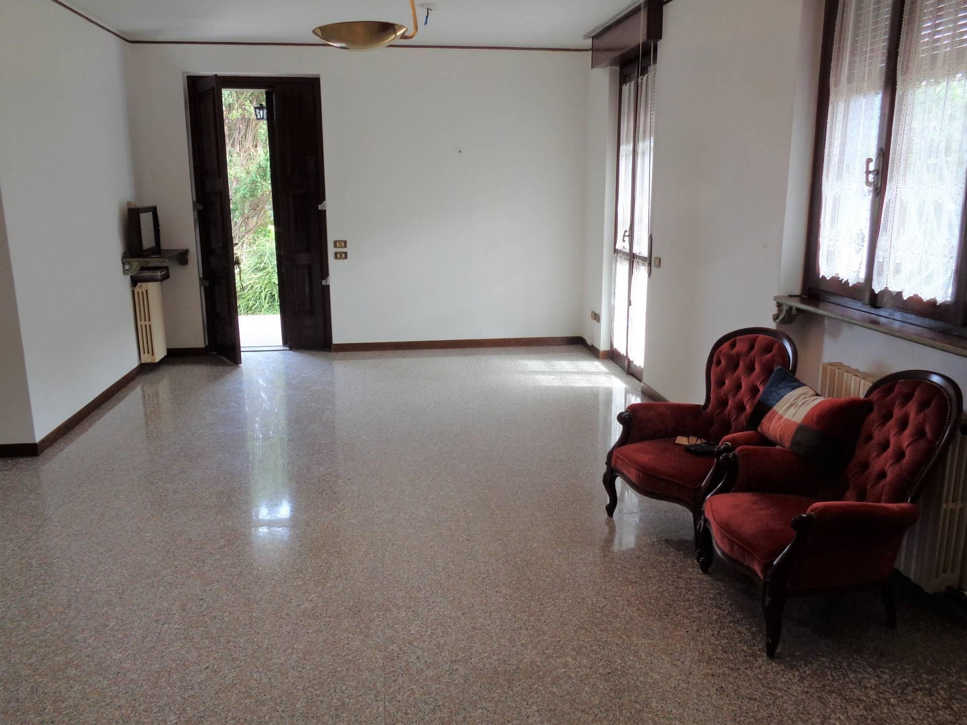 Appartamento in vendita a Vedano Olona, 4 locali, prezzo € 215.000 | PortaleAgenzieImmobiliari.it