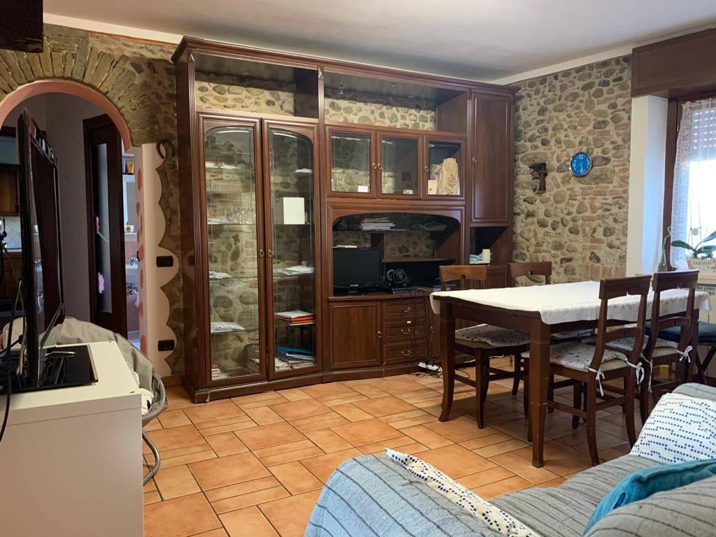 Appartamento in affitto a Malnate, 3 locali, zona Località: SanSalvatore, prezzo € 600   PortaleAgenzieImmobiliari.it