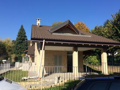 Villa in Affitto a Venegono Superiore