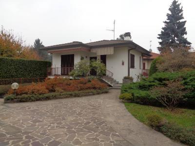 Casa singola in Affitto a Malnate