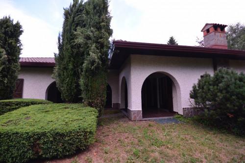 Villa in Vendita a Saltrio