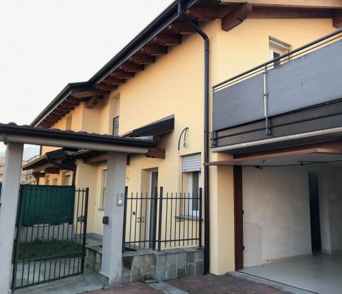 Villa in Affitto a Malnate