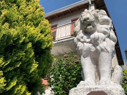 Villa in Vendita a Malnate