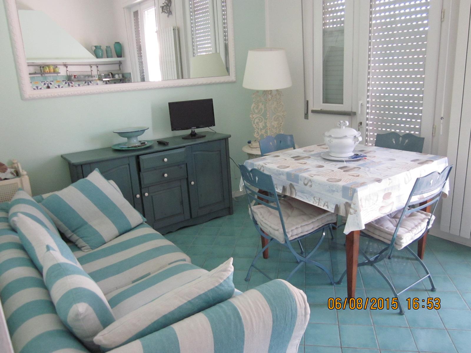 Appartamento in affitto a Viareggio, 4 locali, zona Località: Centro, prezzo € 800 | Cambio Casa.it