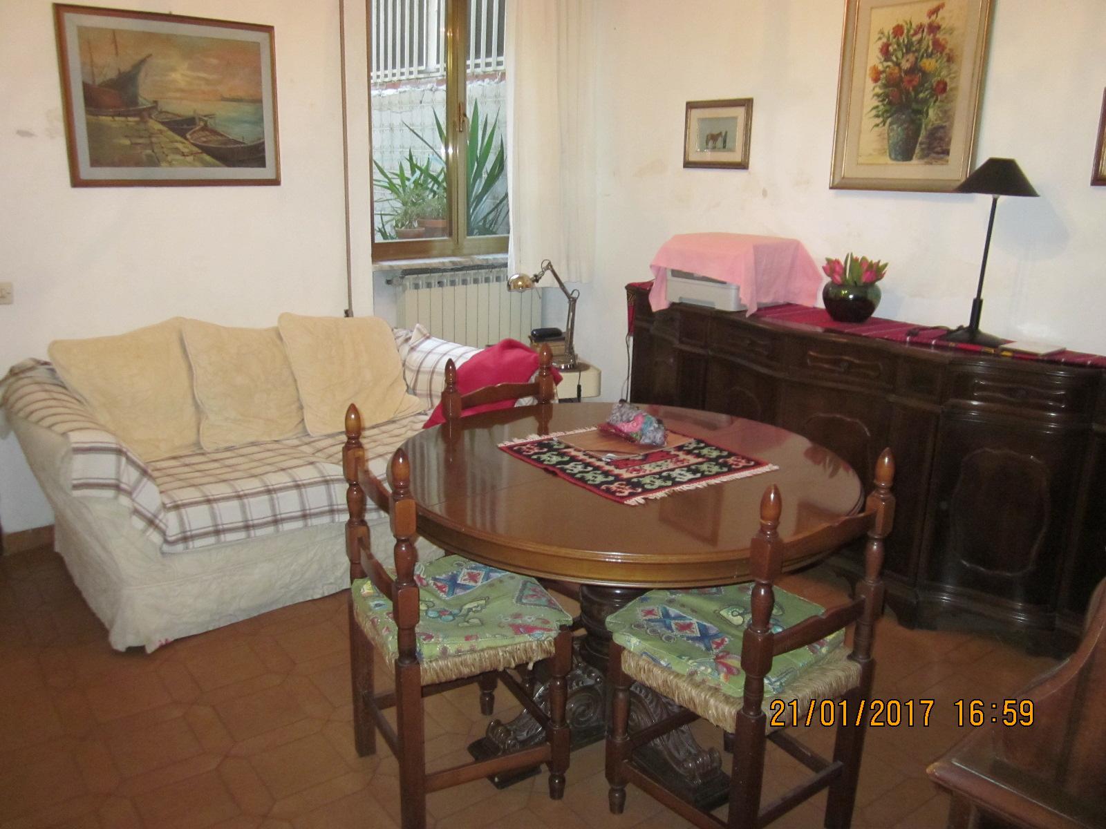 Soluzione Indipendente in vendita a Viareggio, 5 locali, zona Località: Centro, prezzo € 235.000 | CambioCasa.it