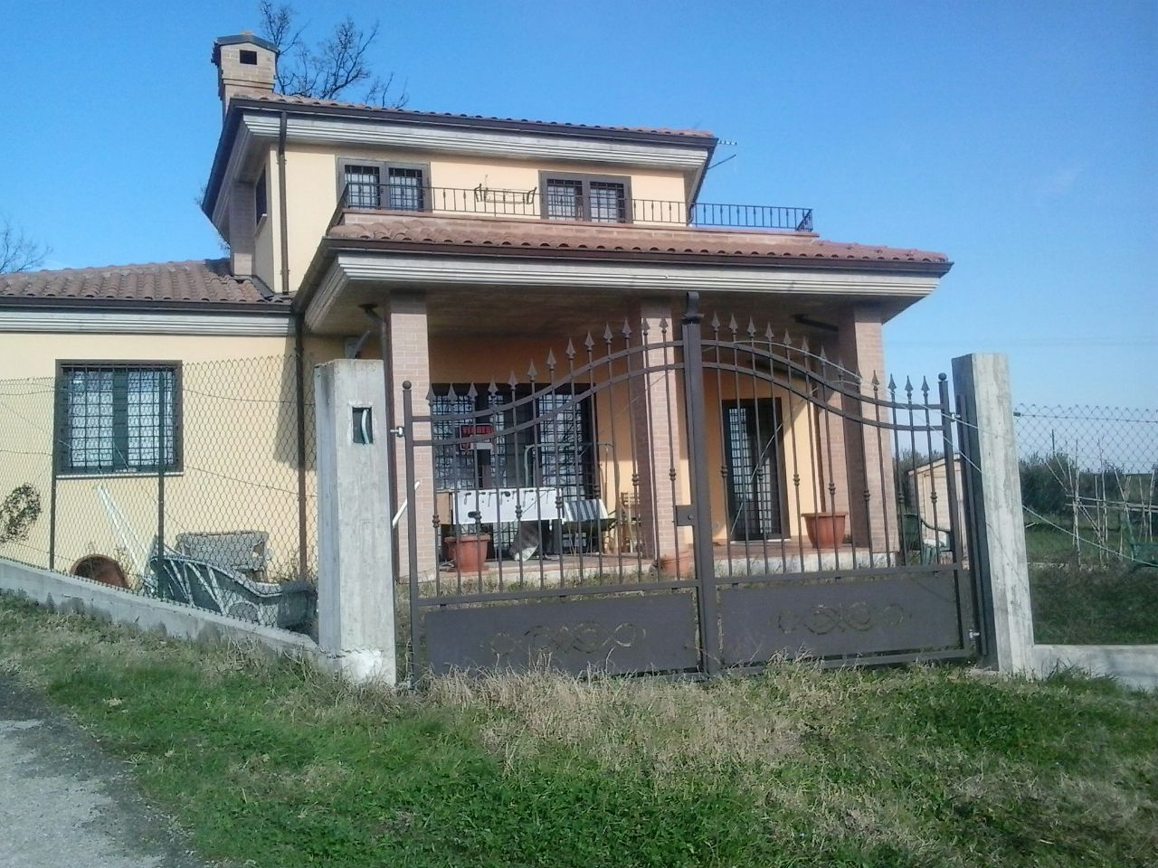Villa in vendita a Teramo, 4 locali, prezzo € 178.000 | Cambio Casa.it