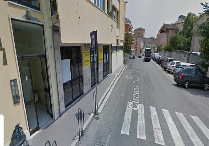 Negozio / Locale in affitto a Teramo, 9999 locali, zona Zona: Centro , Trattative riservate | Cambio Casa.it