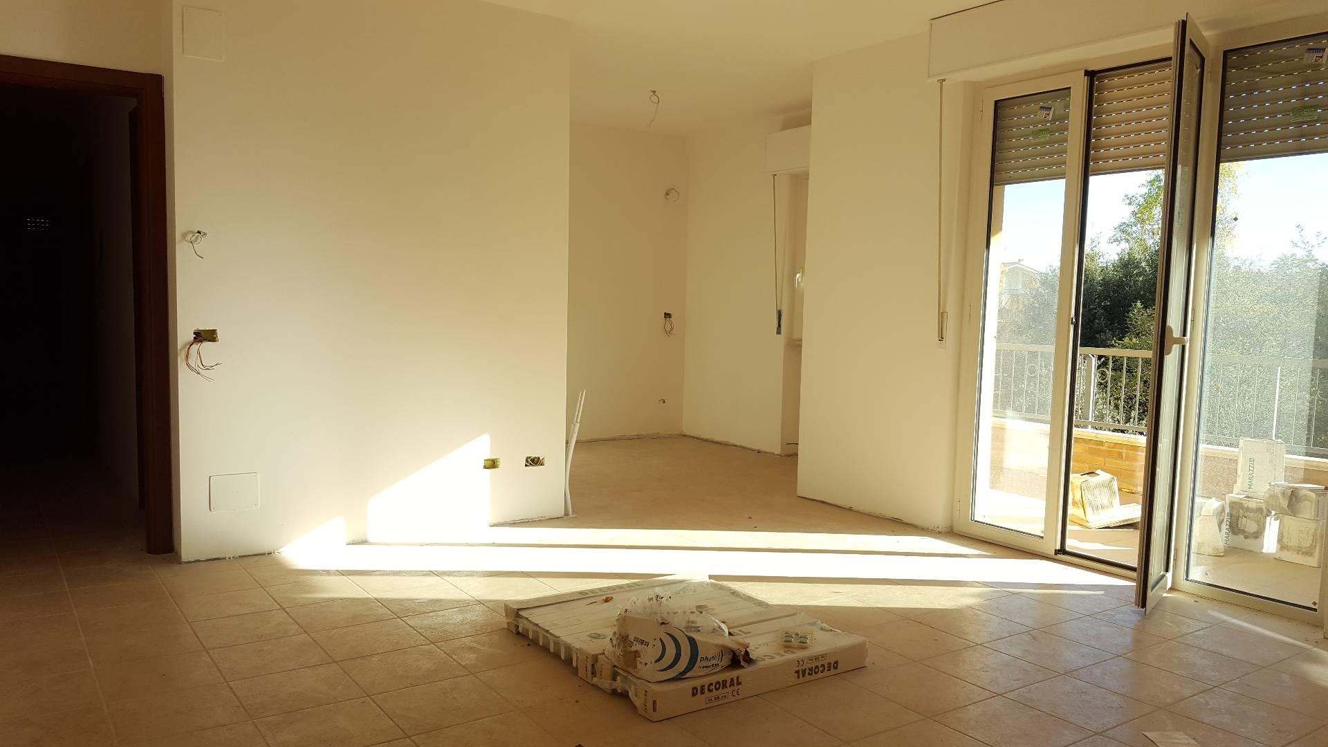 Appartamento in vendita a Giulianova, 3 locali, zona Località: Paese, prezzo € 130.000 | Cambio Casa.it