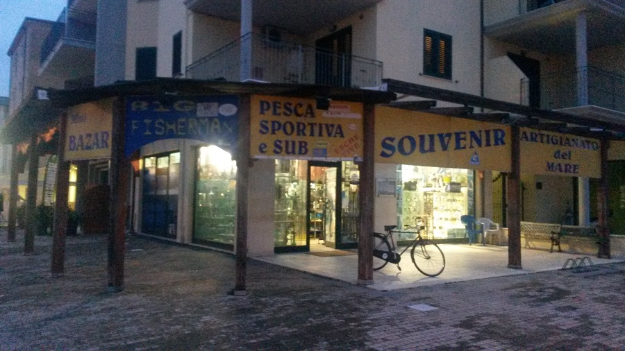 Negozio / Locale in vendita a Giulianova, 9999 locali, zona Località: Lido, prezzo € 230.000 | CambioCasa.it