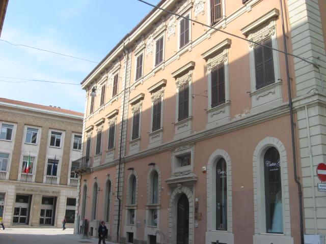 Ufficio / Studio in vendita a Teramo, 9999 locali, zona Zona: Centro , prezzo € 140.000 | Cambio Casa.it