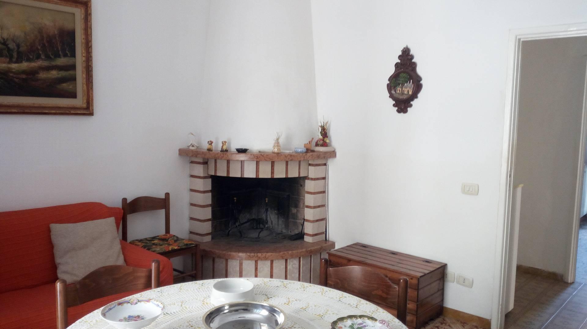Appartamento in affitto a Teramo, 4 locali, prezzo € 400 | Cambio Casa.it