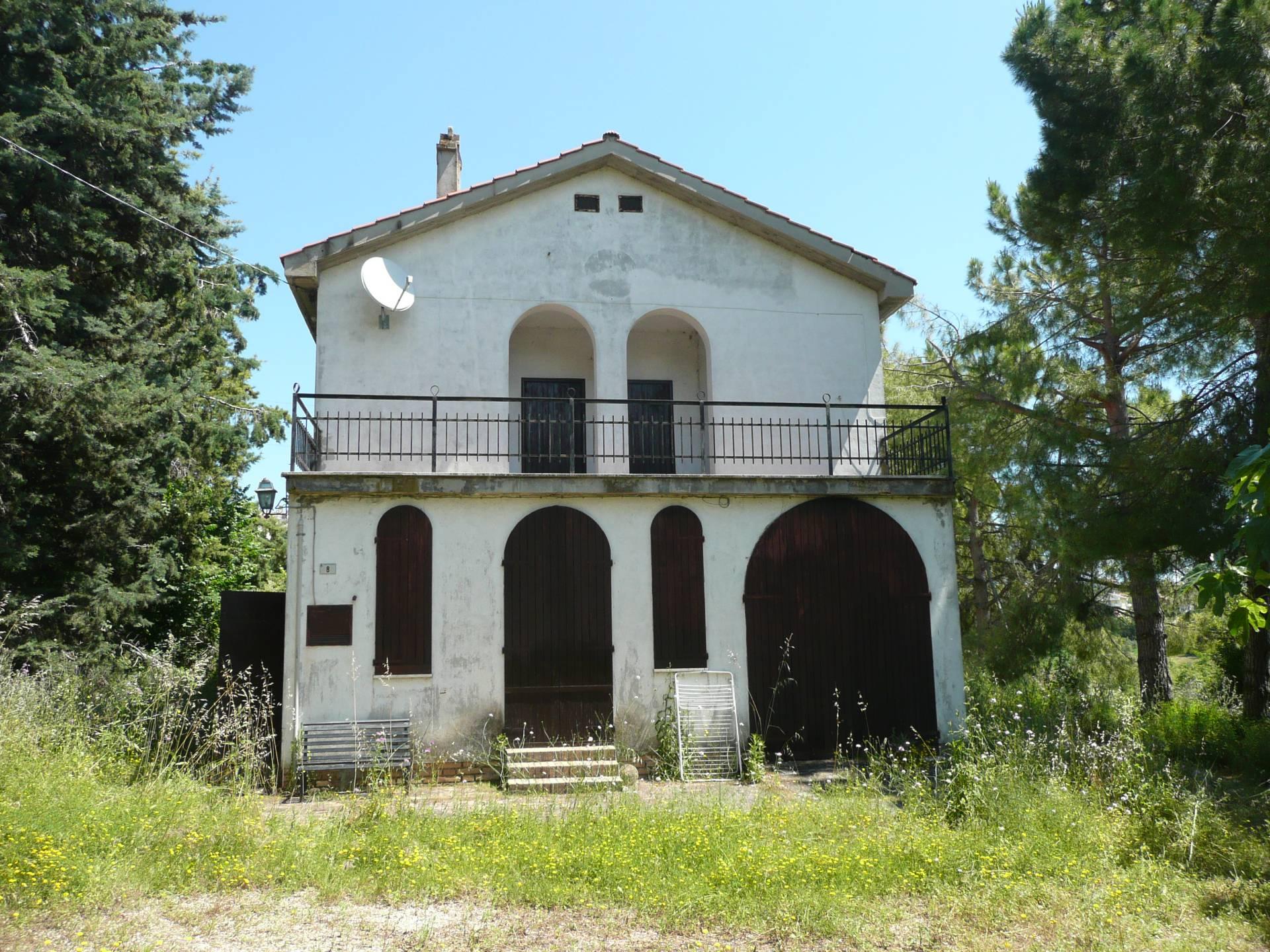Rustico / Casale in vendita a Tortoreto, 6 locali, prezzo € 150.000 | Cambio Casa.it