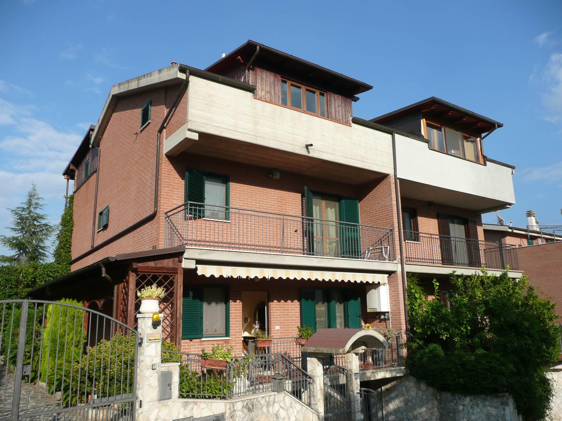 Villa - Casa, 300 Mq, Vendita - Teramo (TE)