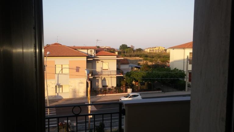 Appartamento in vendita a Roseto degli Abruzzi, 3 locali, prezzo € 95.000 | CambioCasa.it
