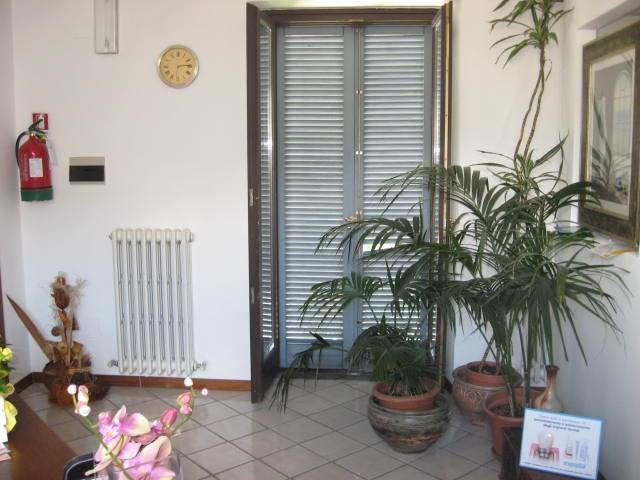 Ufficio / Studio in affitto a Teramo, 9999 locali, zona Zona: Centro , prezzo € 700 | CambioCasa.it