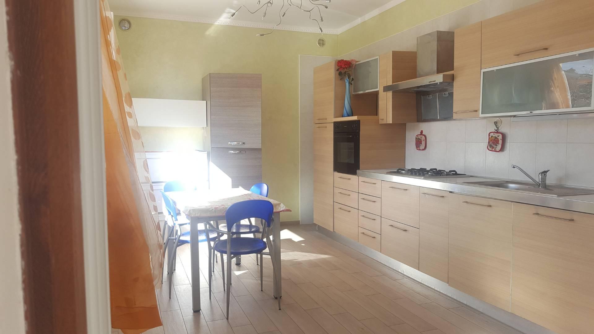 Appartamento in vendita a Roseto degli Abruzzi, 3 locali, zona Località: ColognaSpiaggia, prezzo € 129.000 | CambioCasa.it