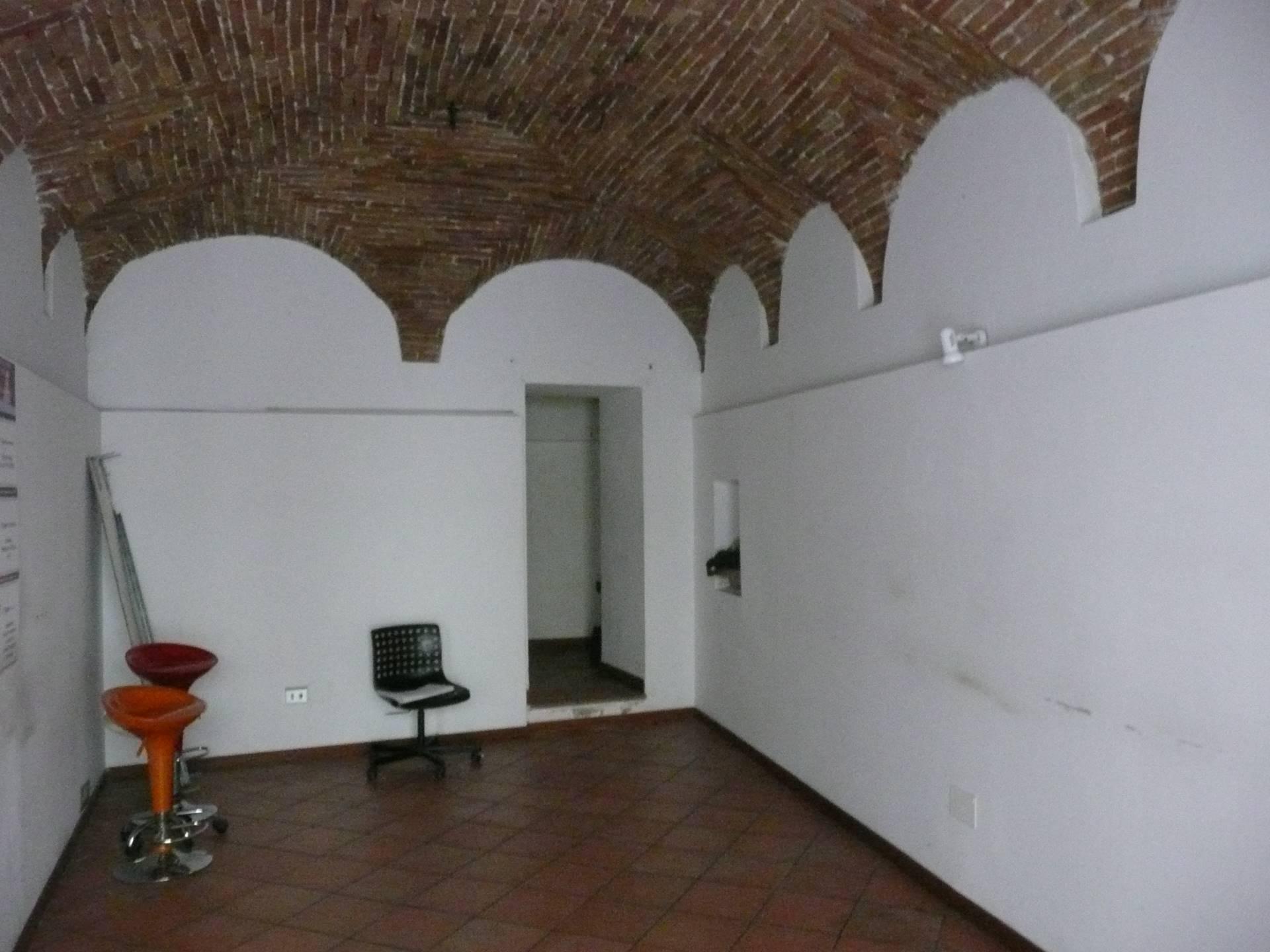 Negozio / Locale in affitto a Teramo, 9999 locali, prezzo € 500 | CambioCasa.it