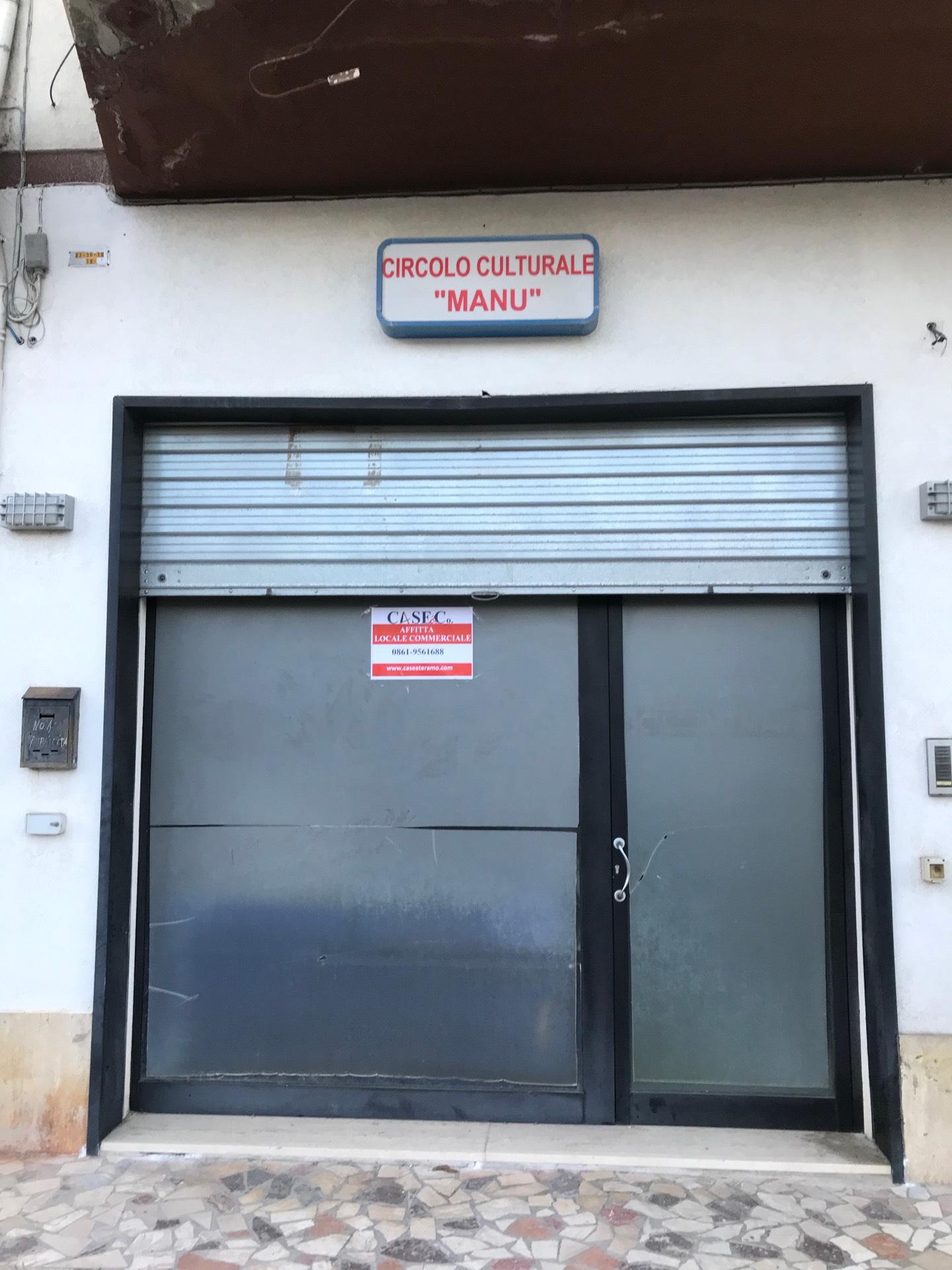 Attività / Licenza in affitto a Giulianova, 9999 locali, zona Località: Lido, prezzo € 500 | CambioCasa.it