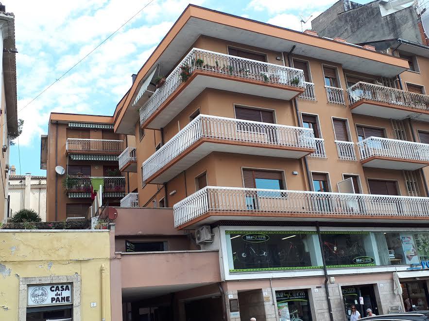 Ufficio / Studio in affitto a Teramo, 2 locali, zona Zona: Centro , prezzo € 300 | CambioCasa.it