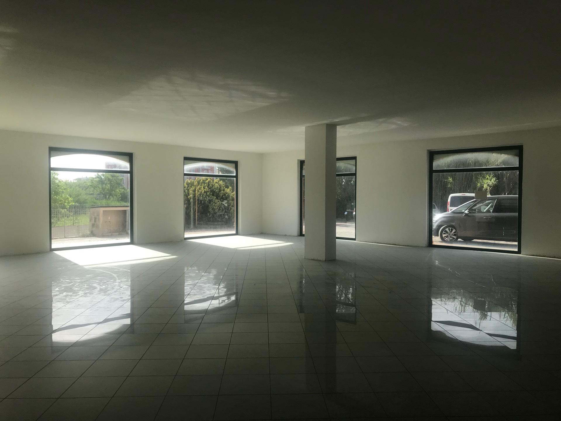 Negozio / Locale in affitto a Tortoreto, 9999 locali, prezzo € 500 | CambioCasa.it