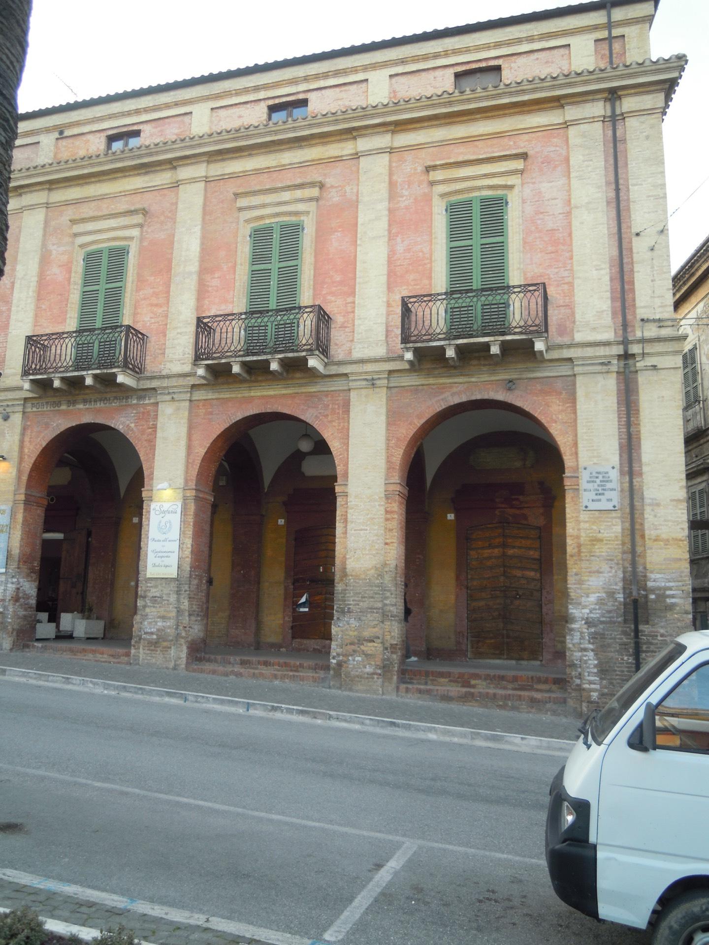 Attico / Mansarda in vendita a Giulianova, 130 locali, zona Località: Paese, prezzo € 320.000   PortaleAgenzieImmobiliari.it