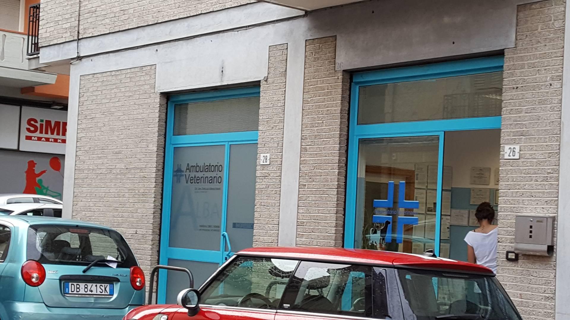 Negozio / Locale in affitto a Teramo, 9999 locali, zona Zona: Centro , prezzo € 500   CambioCasa.it