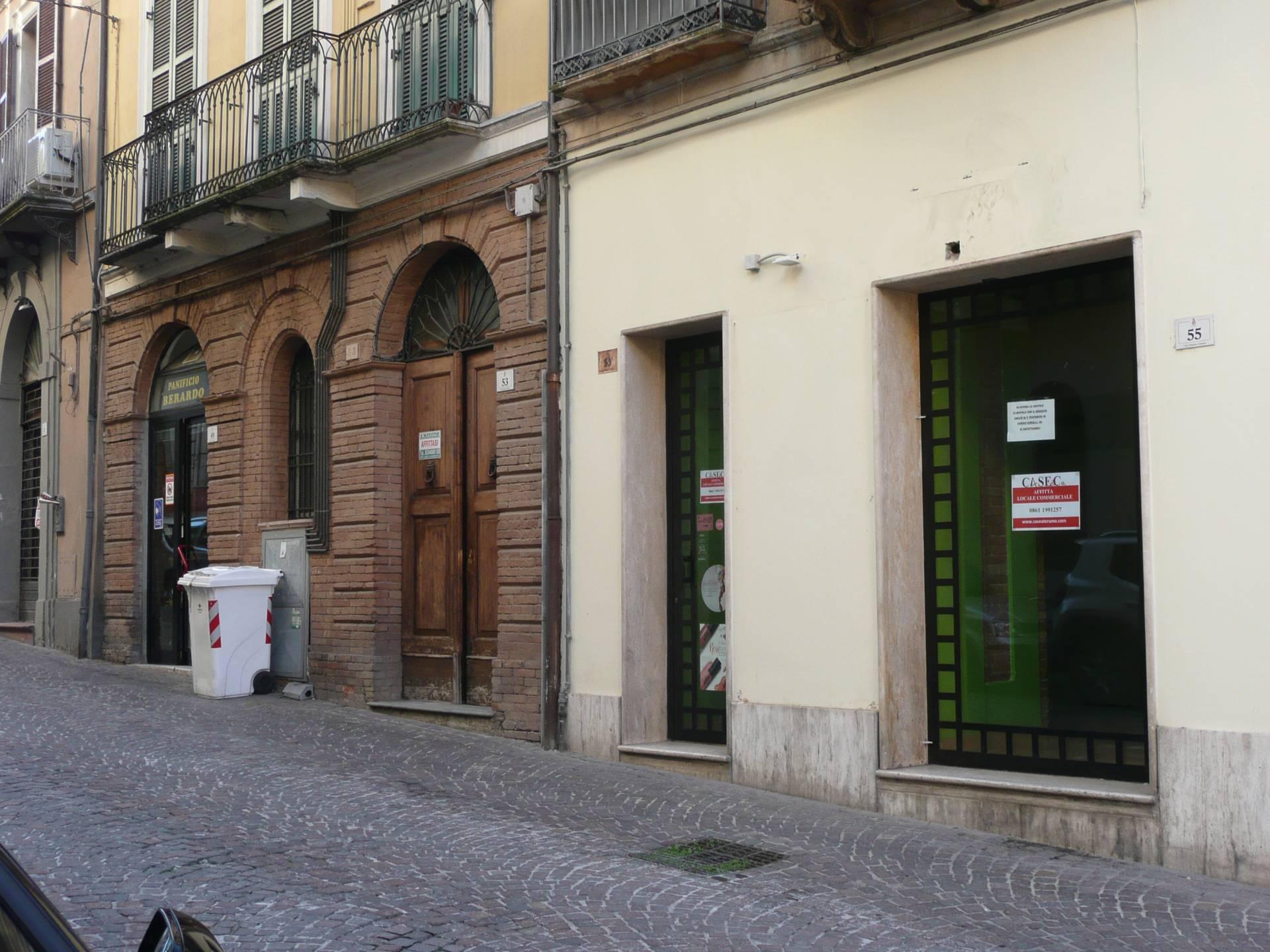 Negozio / Locale in affitto a Teramo, 9999 locali, prezzo € 400   CambioCasa.it