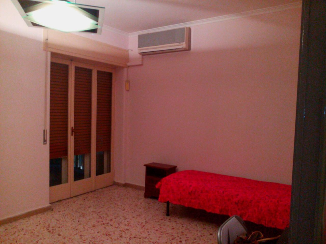 Appartamento in affitto a Catania, 6 locali, zona Località: DAnnunzio, prezzo € 800 | Cambio Casa.it