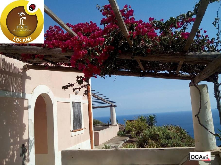 Villa in affitto a Lipari, 8 locali, zona Zona: Filicudi, Trattative riservate | Cambio Casa.it