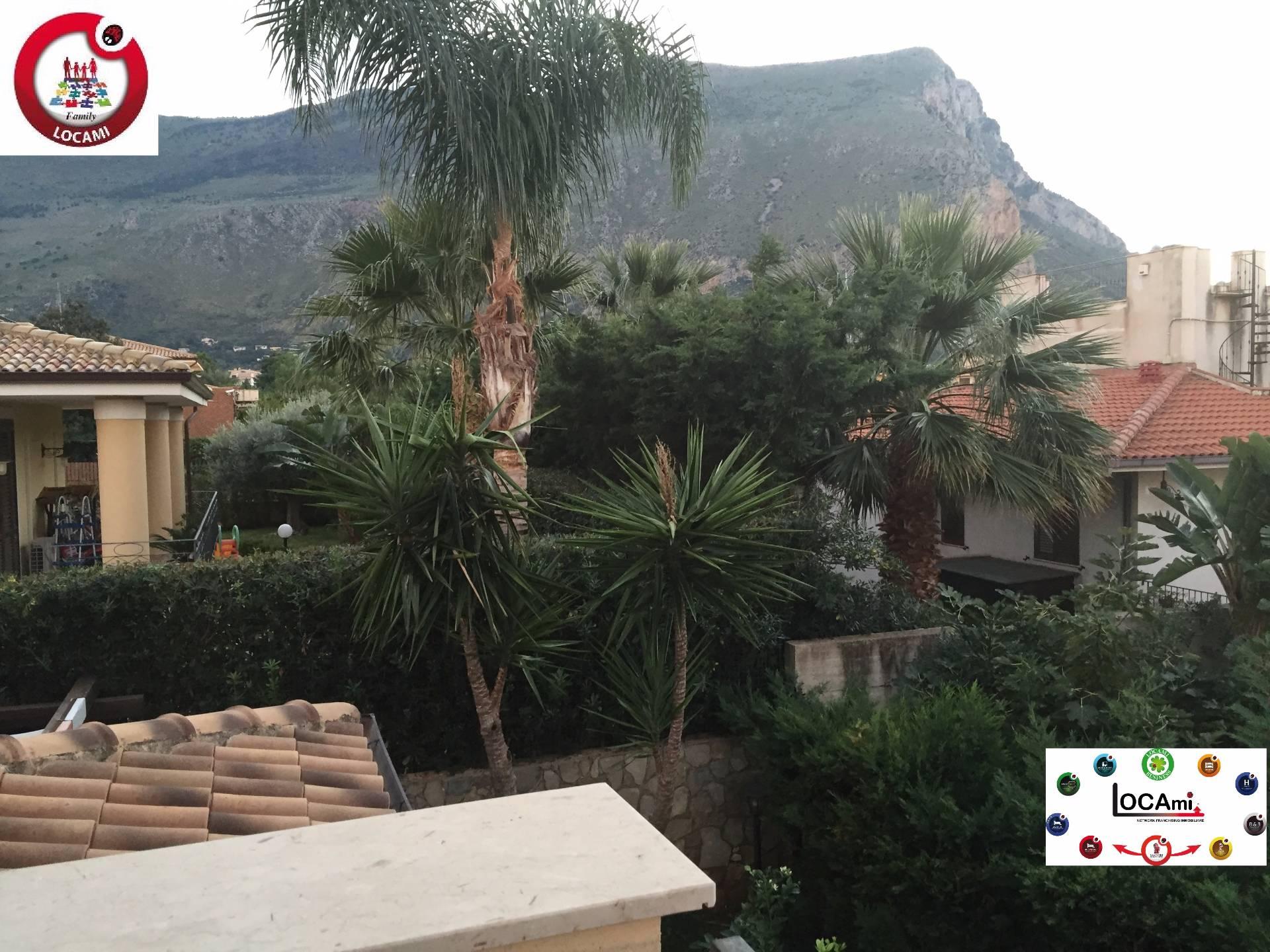 Villa Bifamiliare in Vendita a Carini