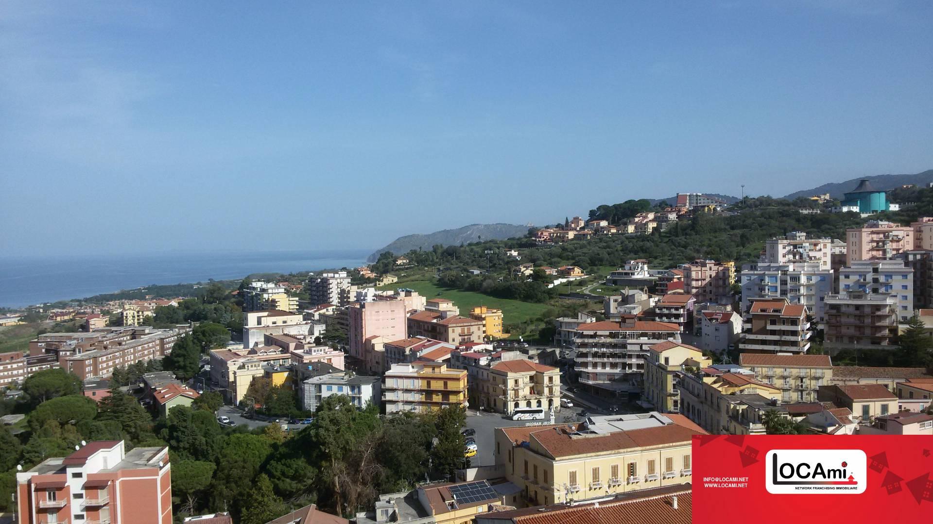 Appartamento in vendita a Patti, 5 locali, prezzo € 90.000 | Cambio Casa.it