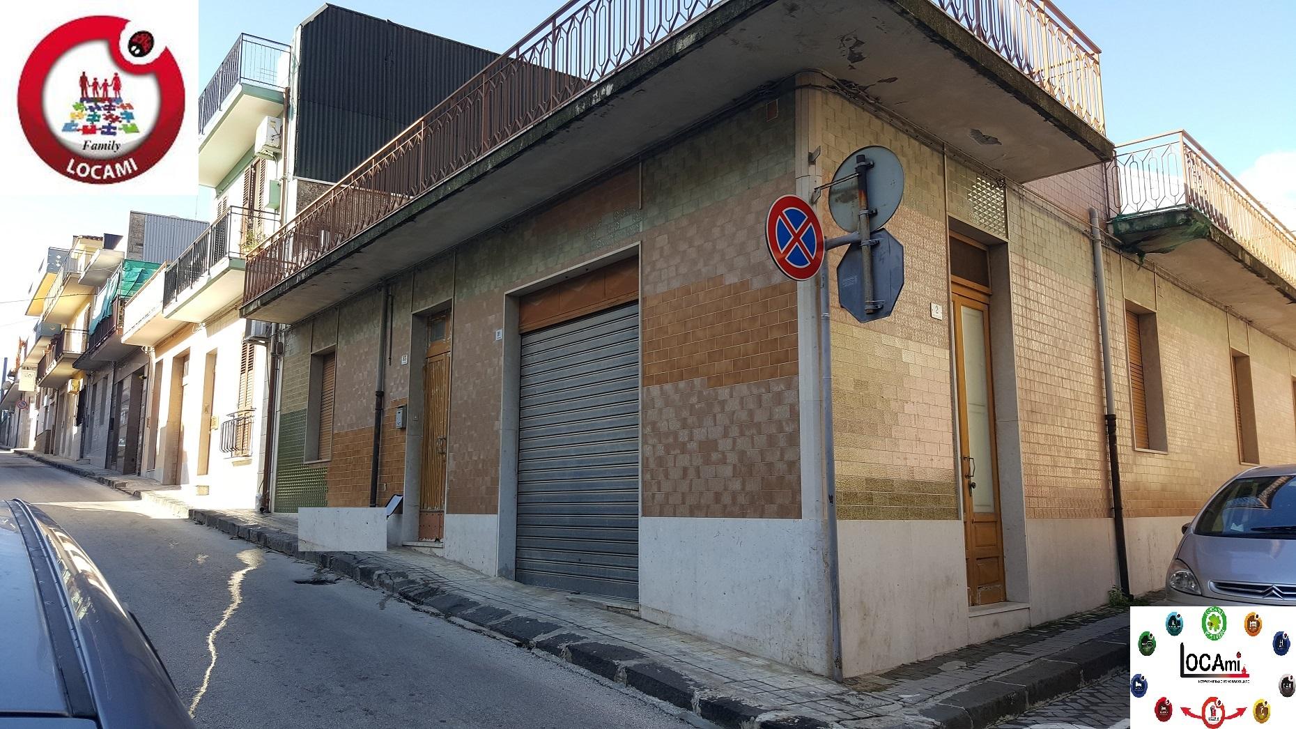 Soluzione Indipendente in vendita a Solarino, 6 locali, prezzo € 85.000 | Cambio Casa.it
