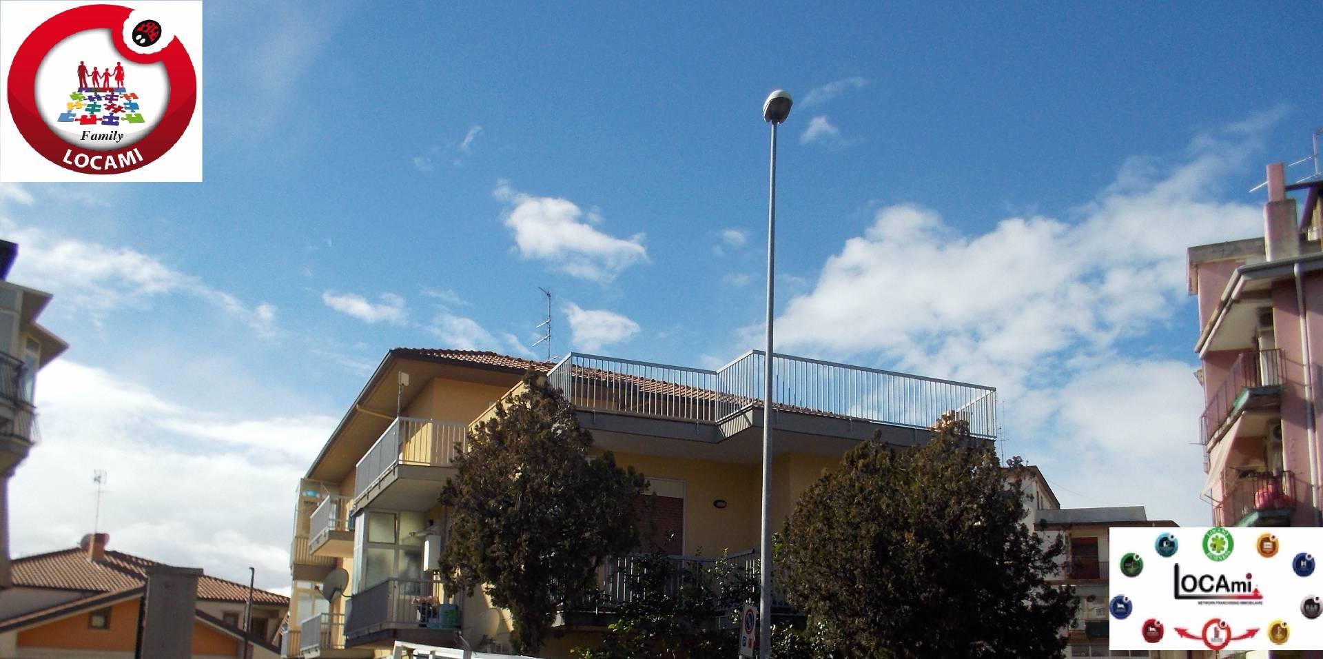 Appartamento in affitto a Gravina di Catania, 5 locali, prezzo € 600 | Cambio Casa.it