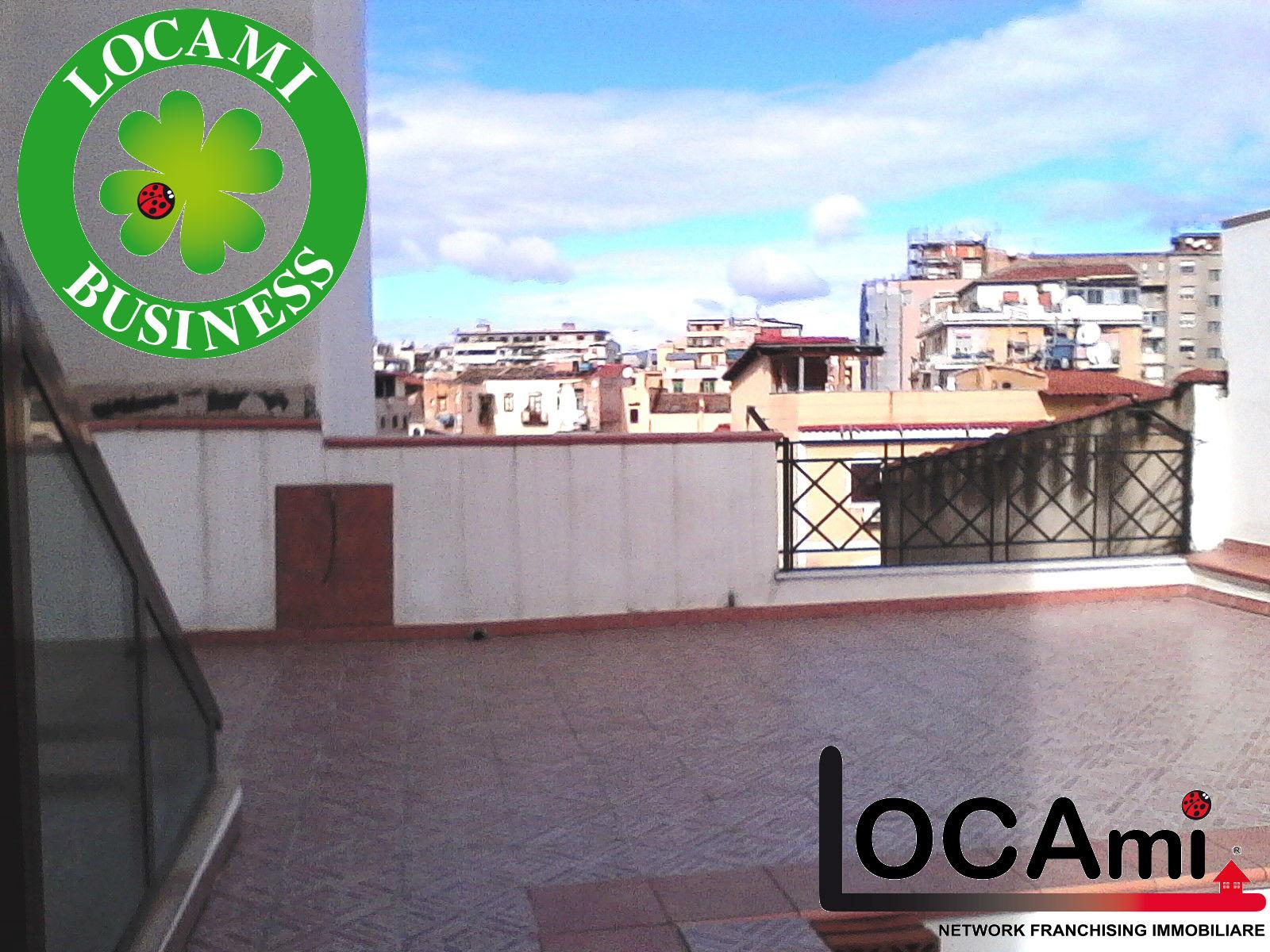 Soluzione Indipendente in vendita a Palermo, 9 locali, prezzo € 390.000 | Cambio Casa.it