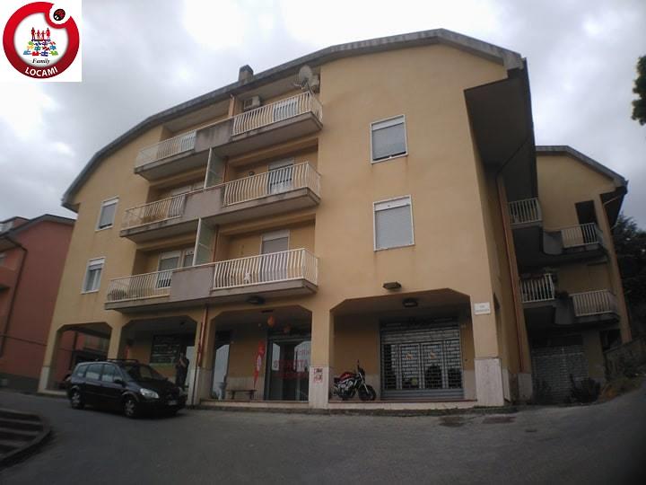 Appartamento in vendita a Enna, 6 locali, zona Località: ZonaUniversit?EnnaBassa, prezzo € 180.000   CambioCasa.it