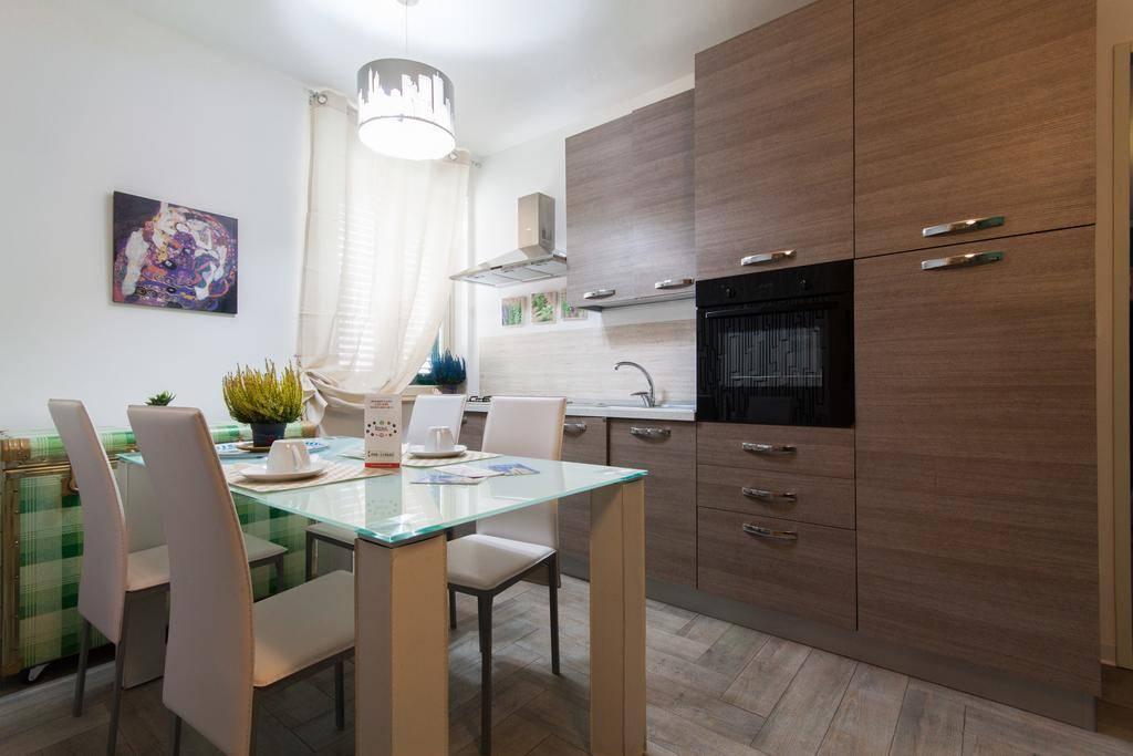 Appartamento in affitto a Palermo, 6 locali, prezzo € 350   CambioCasa.it