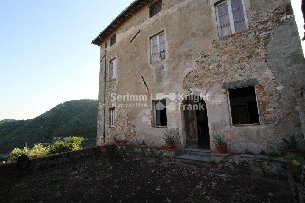 Casa colonica in vendita a pescaglia rif a270 for Piani casa colonica