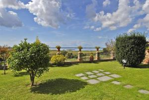 Villa for Sale To Massarosa