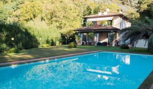 Villa for Sale in Camaiore