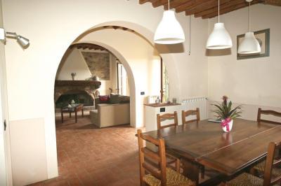 Farmhouse for Sale in Capannori
