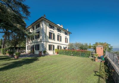 Villa in Vendita a Montecarlo