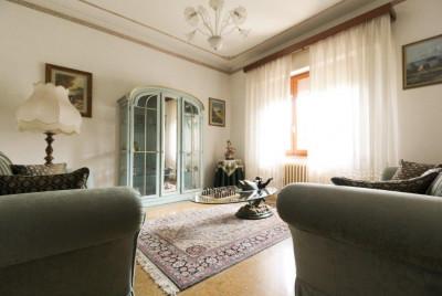 Villa for Sale in Capannori