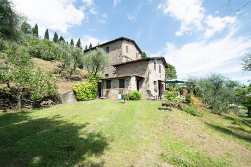 Farmhouse for Sale To Capannori