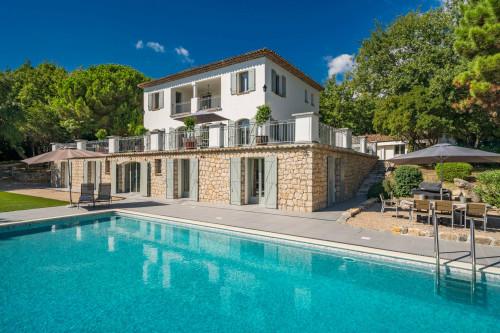 Villa in Vendita a Valbonne
