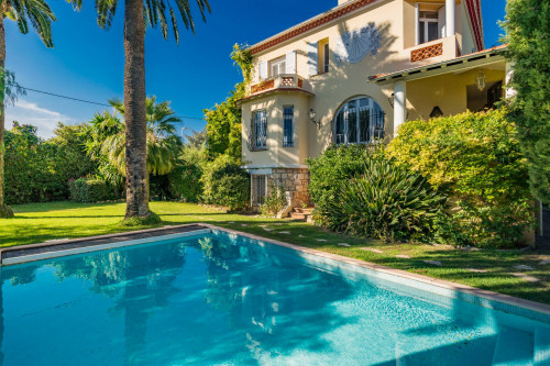 Villa for Sale To Antibes