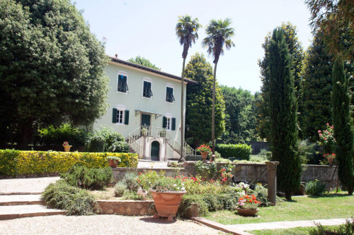 Villa for Sale To Lucca