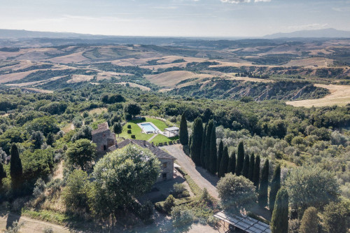 Farmhouse for Sale in Montaione